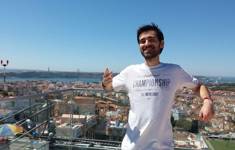 Tomás VP Storyteller   Rappel Amoreiras rooftop
